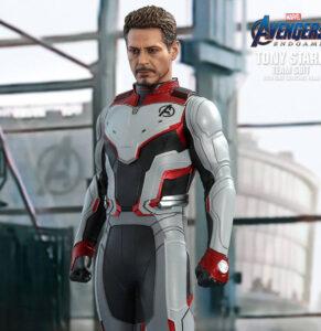 Figura Hot Toys Tony Stark Team Suit   The Avengers: Endgame   MMS 537
